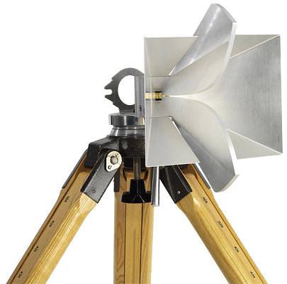 """Рупорная антенна """"Rohde&Schwarz HF907"""""""